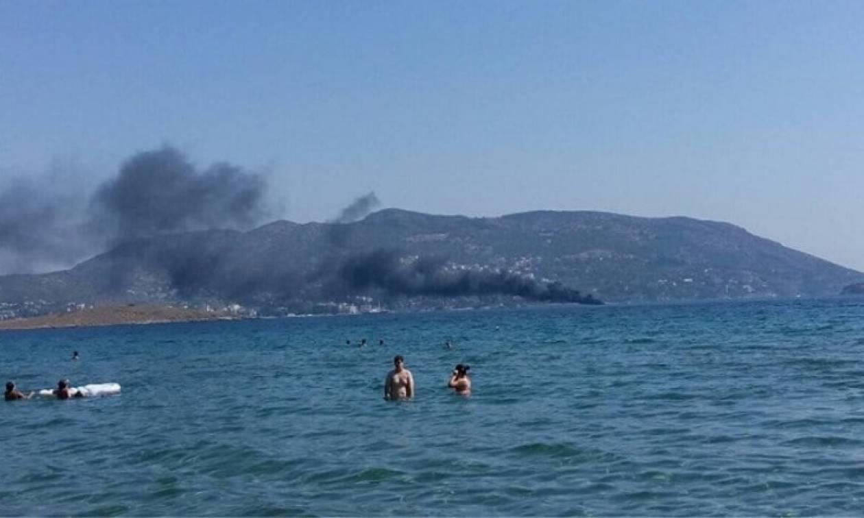 Θρίλερ στο Πόρτο Ράφτη: Πυρκαγιά σε σκάφος με 4 επιβαίνοντες