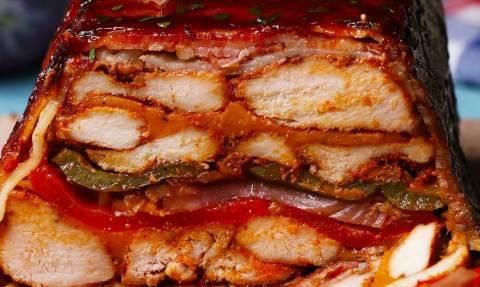 Ρολό κοτόπουλου με μπέικον και σως μπάρμπεκιου!