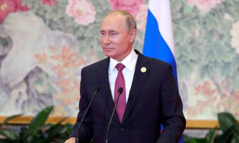 «Στάζει» ειρωνεία ο Πούτιν για τους G7: «Σταματήστε «τις επινοητικές σας φλυαρίες για τη Ρωσία»