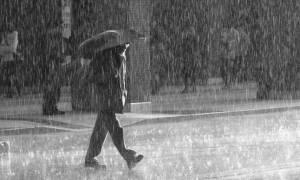 Καιρός: Καλοκαιρινό μπουρίνι έπληξε την Αττική - Με βροχές αρχίζει η εβδομάδα