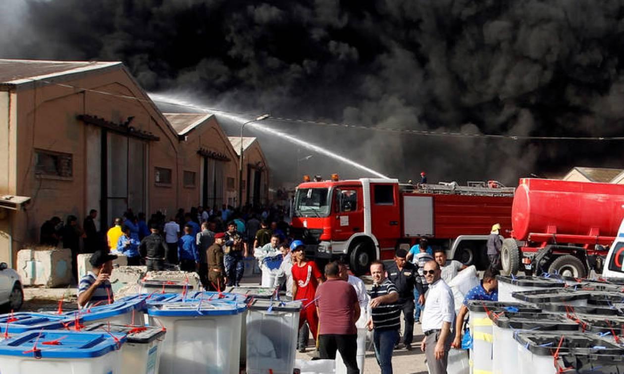Ιράκ: Φωτιά σε χώρο που φυλάσσονταν κάλπες και εξοπλισμός από τις εκλογές