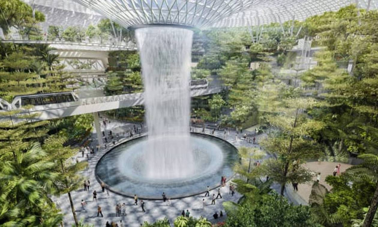 Το «διαμάντι» του αεροδρομίου Changi στην Σιγκαπούρη