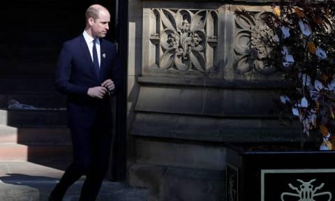 Ο πρίγκιπας Ουίλιαμ αφήνει… σπίτι την Κέιτ και περιοδεύει στη Μέση Ανατολή