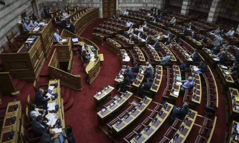 Βουλή: Υπερψηφίστηκε στις Επιτροπές το πολυνομοσχέδιο