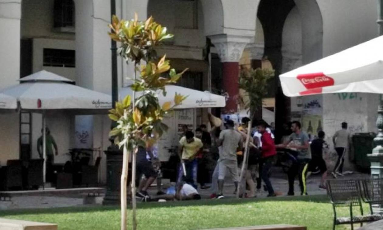 Θεσσαλονίκη: Άγρια συμπλοκή αλλοδαπών στο κέντρο της πόλης (videos)