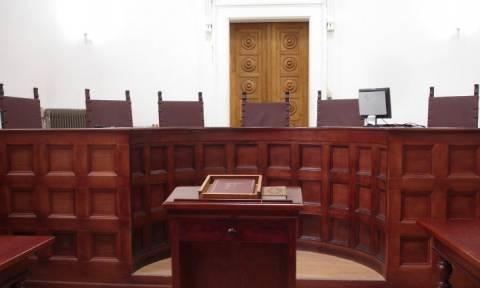 Ρόδος: Κάθειρξη 7 ετών σε 53χρονη που επιχείρησε να βγάλει... στο κλαρί δύο γυναίκες