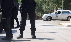 Θρίλερ στην Ευρυτανία: Ταμπουρώθηκε με όπλο στο σπίτι