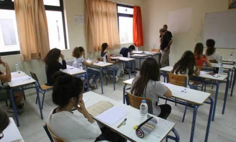 Πανελλήνιες 2018: Έτσι γίνεται η επιλογή των θεμάτων στις Πανελλαδικές Εξετάσεις
