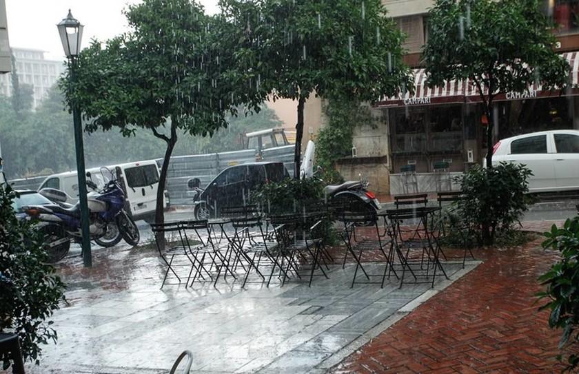 Αλλάζει ο καιρός: Έρχεται κακοκαιρία με καταιγίδες και χαλάζι  - Σε αυτές τις περιοχές θα «χτυπήσει»