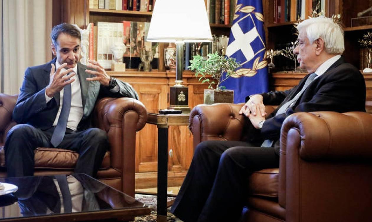 Μητσοτάκης σε Παυλόπουλο: Η συμφωνία για το Σκοπιανό να έρθει στη Βουλή πριν από την υπογραφή