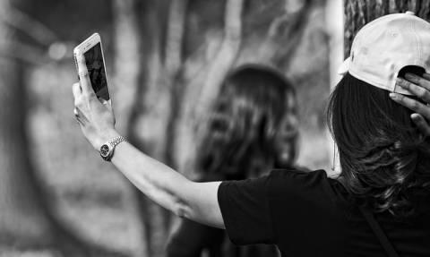 Τραγωδία: Zευγάρι σκοτώθηκε ενώ έβγαζε selfie