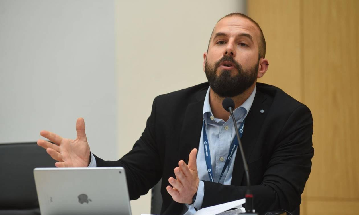 «Ο ρόλος των νομικών στο Μακεδονικό και η αβάσταχτη τεχνική ελαφρότητά τους»