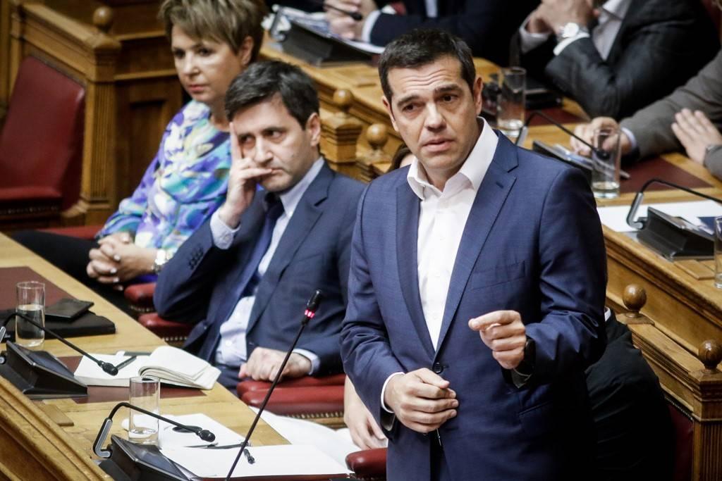 Τσίπρας: Καλοδεχούμενη η πρόταση μομφής - Θλιβερό φερέφωνο του Σαμαρά ο Μητσοτάκης
