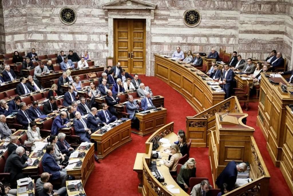 Βουλή: Ψηφίστηκε το πολυνομοσχέδιο για το κλείσιμο της τέταρτης αξιολόγησης