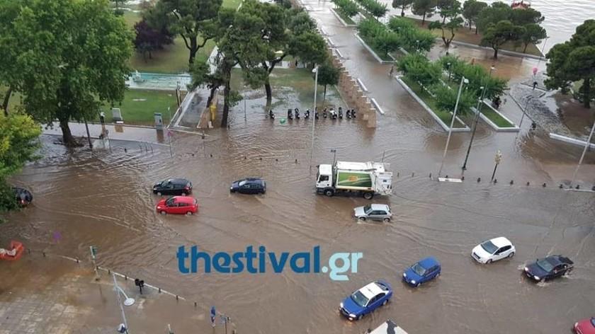 Καιρός TΩΡΑ: Προβλήματα από την έντονη βροχόπτωση και το χαλάζι στη Θεσσαλονίκη (pics&vid)
