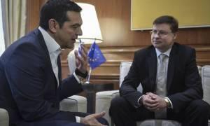 Ντομπρόβσκις: H οικονομία της Ελλάδας έχει ανακάμψει