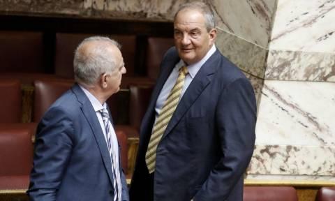 Ραγδαίες εξελίξεις: Αναμένεται ηχηρή παρέμβαση Καραμανλή για το Σκοπιανό
