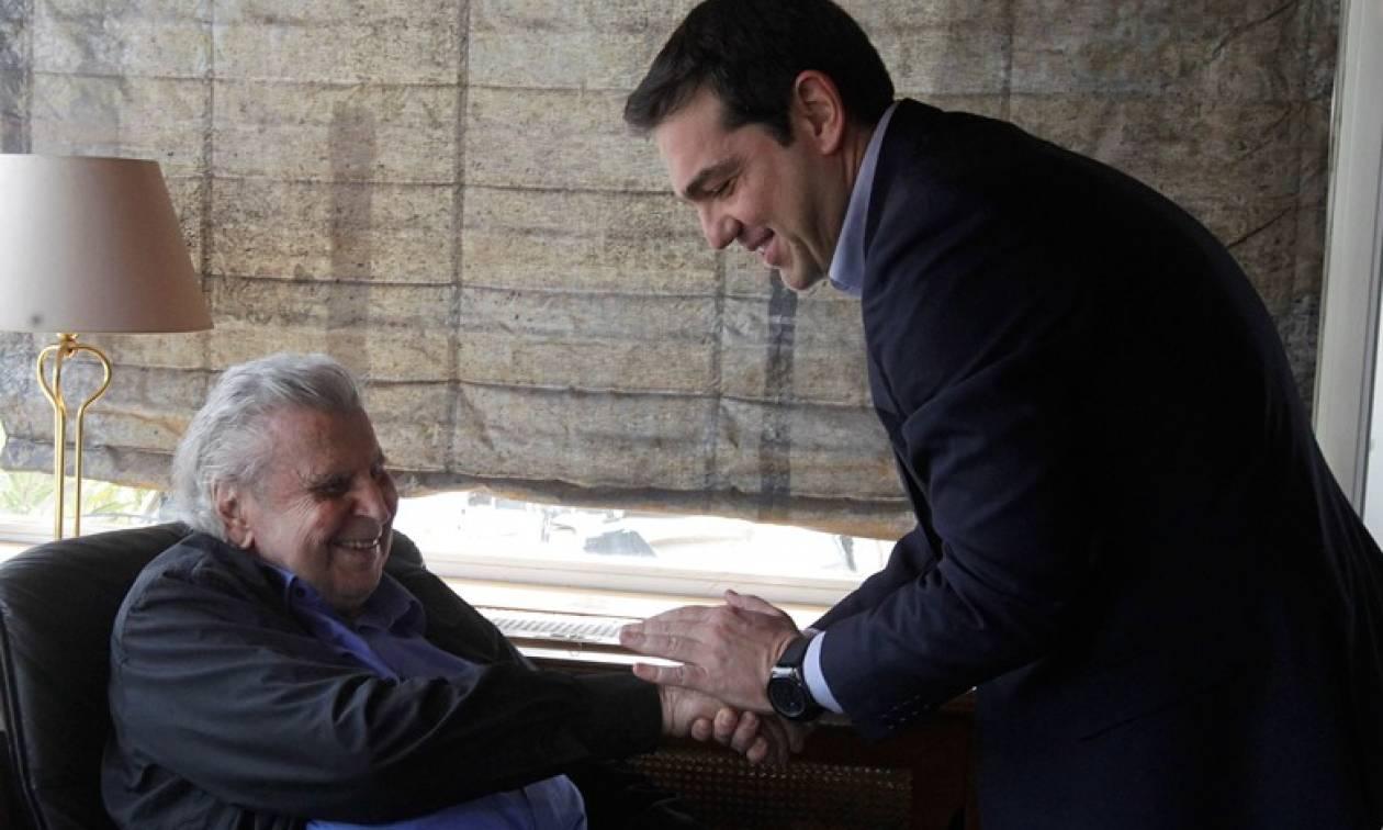 Μίκης Θεοδωράκης σε Τσίπρα: Σε συγχαίρουν αυτοί που κάποτε έλεγες δολοφόνους