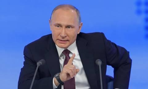 Παγκόσμιο Κύπελλο Ποδοσφαίρου 2018: Ο Πούτιν διέκοψε τη συνέντευξη Τύπου του Τσερτσέσοφ (vids)