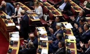 LIVE BLOG Βουλή: «Κόλαση» στη Βουλή - Άγρια κόντρα Καμμένου με ΝΔ