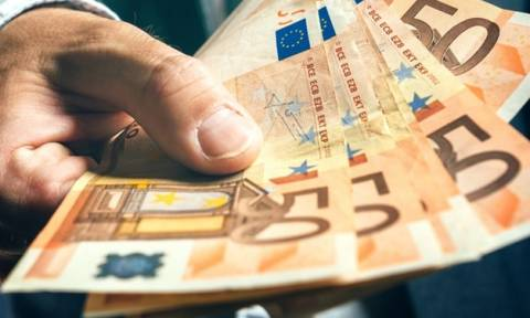 ΕΦΚΑ: Πόσος είναι ο μισθός - Πόσα λεφτά πληρώνονται οι Έλληνες ανάλογα με το επάγγελμα τους