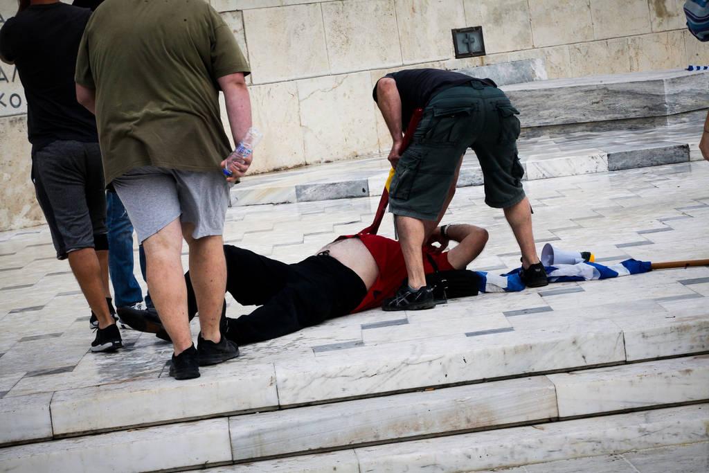 Συλλαλητήριο για τη Μακεδονία στο Σύνταγμα: «Αν όχι τώρα, πότε; Αν όχι εμείς, ποιοι;»
