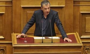 Θεοδωράκης για Σκοπιανό: Η βοήθεια στην πατρίδα δεν σημαίνει στήριξη στους ΣΥΡΙΖΑ - ΑΝΕΛ
