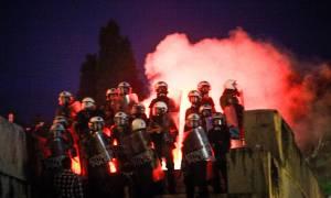 Επεισόδια στο Σύνταγμα: Μολότοφ, πέτρες, χημικά και τραυματίες μετά το συλλαλητήριο για τη Μακεδονία