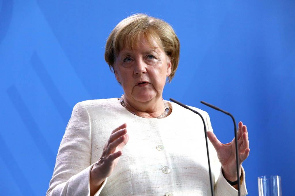 Μίνι-Σύνοδο Κορυφής για το προσφυγικό επιθυμεί η Μέρκελ