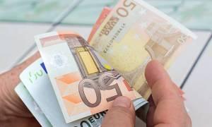 Κοινωνικό εισόδημα αλληλεγγύης: Νέα κριτήρια και προϋποθέσεις - Δες αν το δικαιούσαι