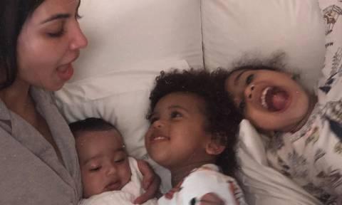 Η Kim Kardashian μας δείχνει την Chicago West και οι φωτογραφίες αυτές  είναι τουλάχιστον ανεκτίμητες f94f764ce96