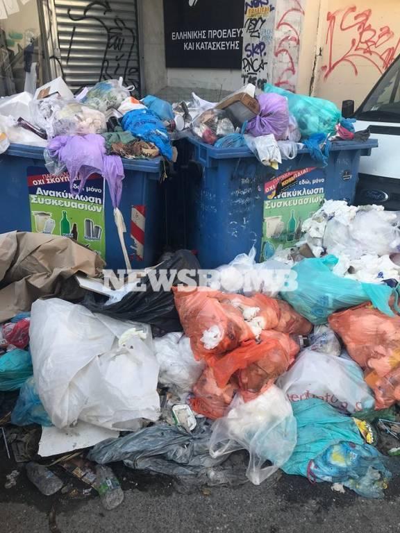 «Σε κλοιό» σκουπιδιών η Αθήνα - Αποκατάσταση του ΧΥΤΑ την Πέμπτη υπόσχεται ο ΕΔΣΝΑ