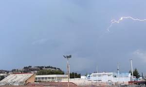 Καιρός: Δεκάδες κεραυνοί στο Ναύπλιο κατά την διάρκεια καταιγίδας (pics&vid)