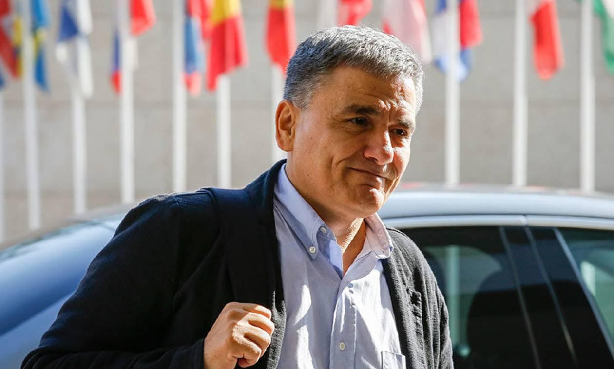Handelsblatt: Ο Τσακαλώτος ενδέχεται να απογοητευτεί στο Eurogroup για το χρέος