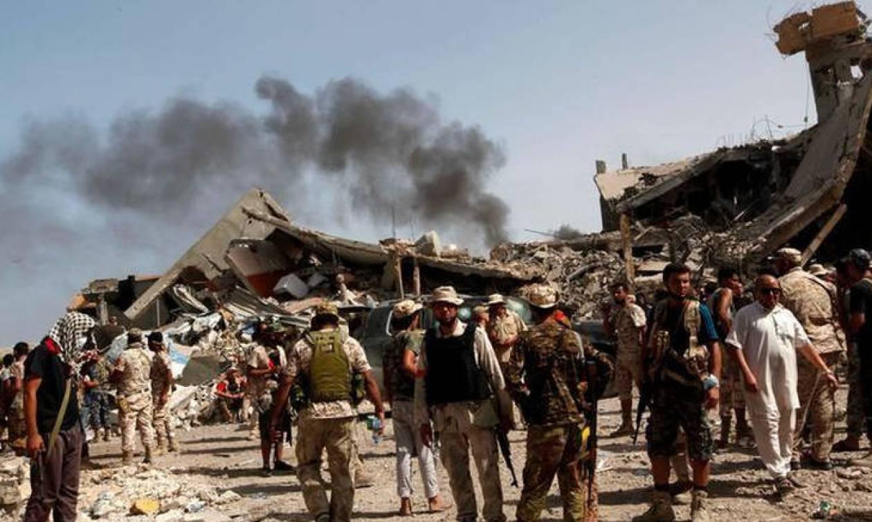Λιβύη: Βομβιστής αυτοκτονίας με… λευκή σημαία σκόρπισε το θάνατο