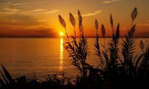 Θερινό ηλιοστάσιο 2018: Ήρθε το καλοκαίρι - Σήμερα (21/6) η μεγαλύτερη μέρα του χρόνου