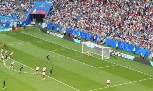 Παγκόσμιο Κύπελλο Ποδοσφαίρου 2018: Το VAR κράτησε «ζωντανά» τα «καγκουρό» (video)