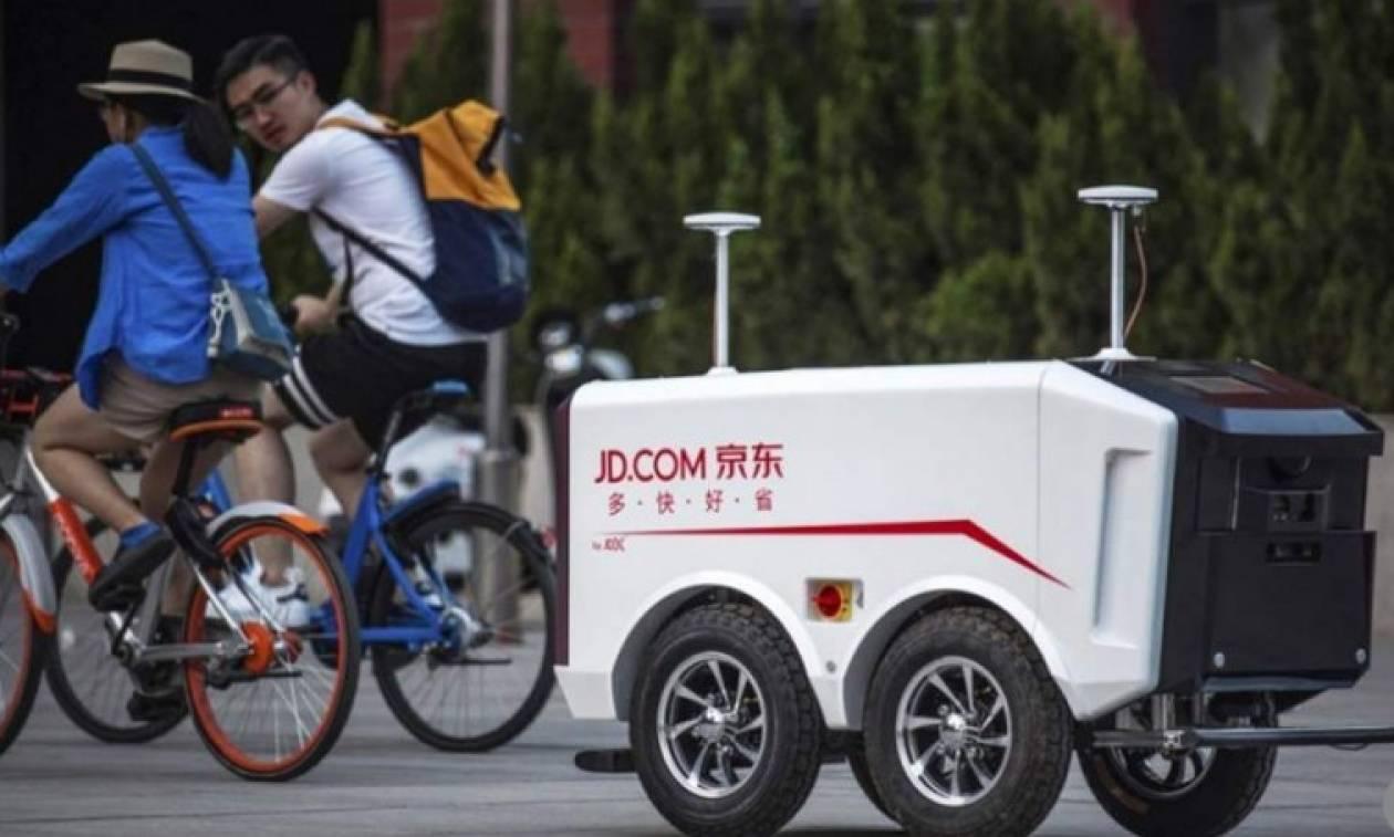 Αυτά τα ρομπότ προσφέρουν υπηρεσίες delivery! (pics)