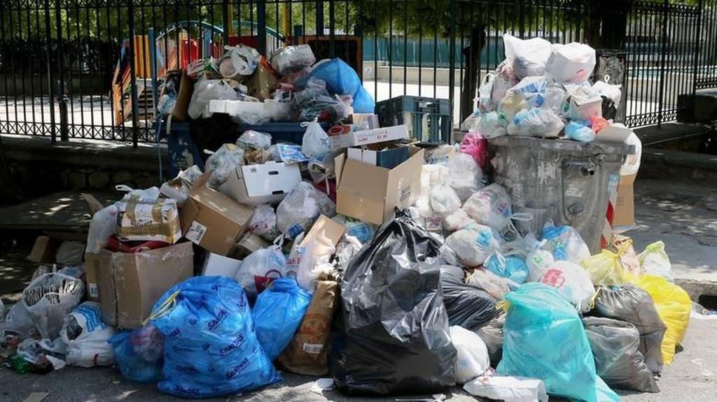 Αποφορτίζεται από τα σκουπίδια η Αθήνα - Επιστρέφει στην κανονικότητα ο ΧΥΤΑ