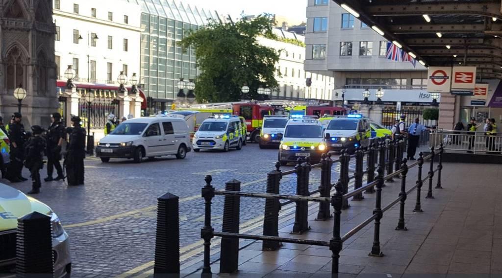 ΕΚΤΑΚΤΟ - Συναγερμός ΤΩΡΑ στο Λονδίνο: Εκκενώθηκε σιδηροδρομικός σταθμός