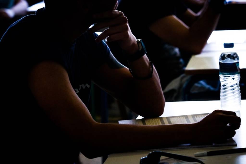 Η απίστευτη γκάφα στις Εξετάσεις: Ποιοι μαθητές εξετάστηκαν σε μικρότερη ύλη από τους άλλους