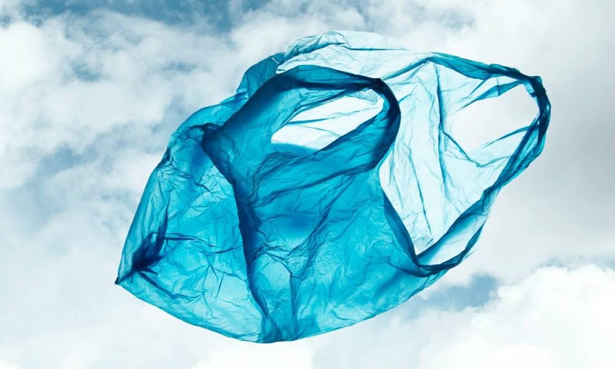 Κατά 75% μειώθηκε η κατανάλωση πλαστικής σακούλας στα σούπερ μάρκετ
