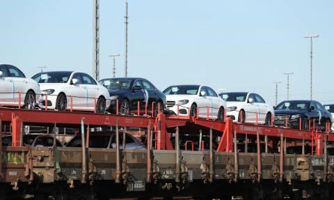 Ο παγκόσμιος εμπορικός πόλεμος τραβά «χειρόφρενο» στα εισαγόμενα αυτοκίνητα