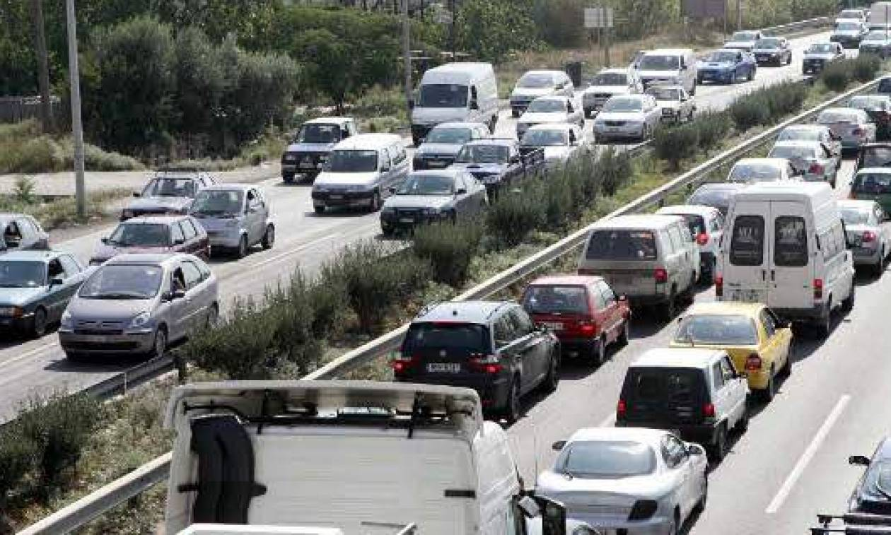 Χαλκιδική: Κάτοικοι του Αγίου Μάμα απέκλεισαν το δρόμο Νέων Μουδανιών - Σιθωνίας (pics)