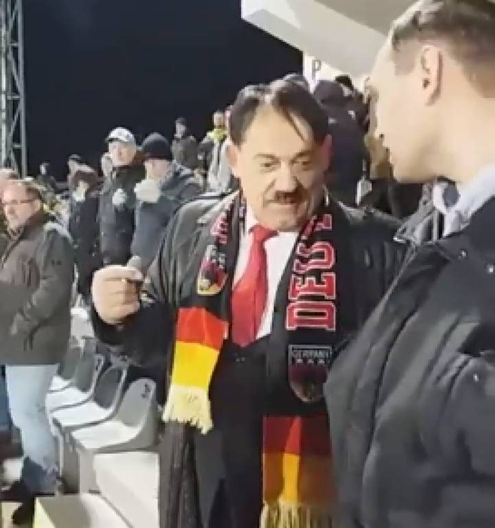 Μουντιάλ: «Πάγωσε» ένα ολόκληρο γήπεδο όταν εμφανίστηκε μπροστά τους ΑΥΤΟΣ ο άνδρας! (vid+pic)
