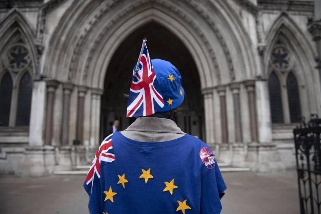 Εντυπωσιακές εικόνες: Λαοθάλασσα 100.000 Βρετανών απαίτησε νέο δημοψήφισμα για το Brexit (Pics+Vid)