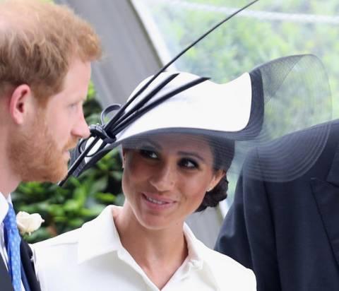 Ο παράξενος λόγος που η Meghan Markle δεν θα γίνει νονά του πρίγκιπα Louis
