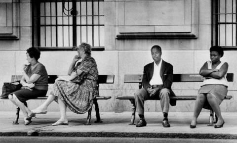 Ντέιβιντ Γκόλντμπλατ: Πέθανε ο φωτογράφος που έριξε «φως» στο απαρτχάιντ (Pics+Vid)