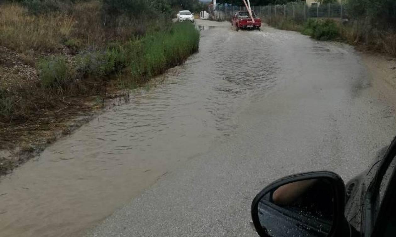 Καιρός: Η «Νεφέλη» πνίγει τη χώρα: Εγκλωβισμοί, πλημμύρες και καταστροφές (pics)