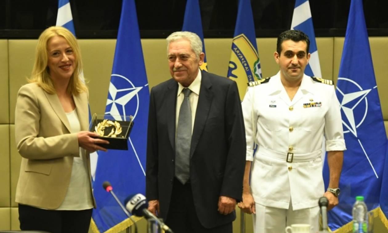 Εξοπλισμός 20 εκατ. ευρώ για τα στρατιωτικά νοσοκομεία από την Περιφέρεια Αττικής